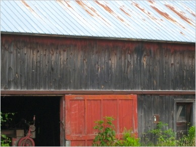 red door barn